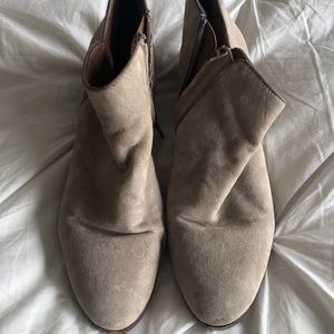 "Sam Edelman ""Petty"" Suede Ankle Booties Sz 9"